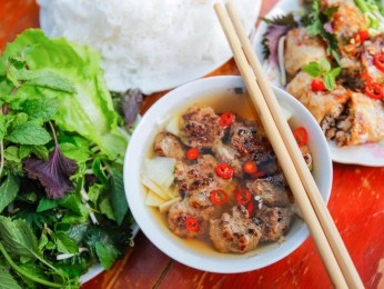 Traditional Vietnamese Pho Restaurant - $340,000 (15355)